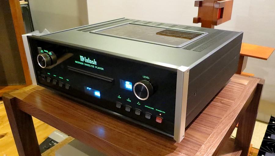 McIntosh MCD500 中古。McIntoshらしいミッドレンジの厚みと抜けるハイが巧みにバランスされたサウンド。。