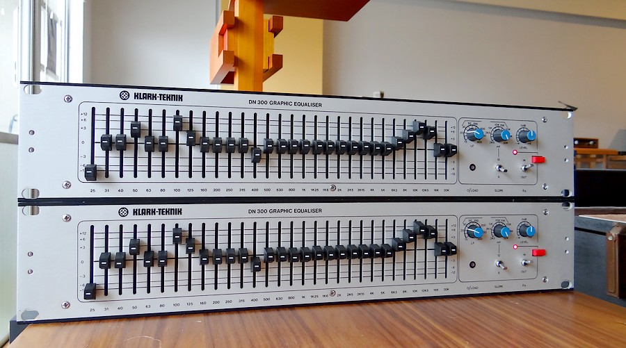 中古 KLARK-TEKNIK DN-300 モノラル・イコライザー