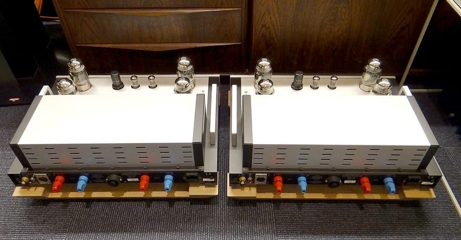 オーディオ中古 ドイツ  OCTAVE MRE130  真空管モノラルパワーアンプのリアパネル