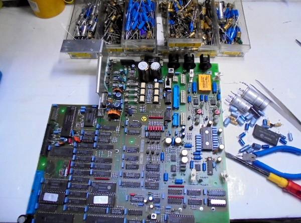ダメージがあるメインボードの整備