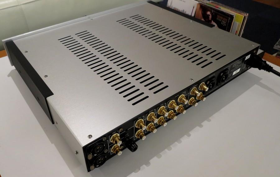 OCTAVE HP300 中古。リアパネルXLR入力・出力