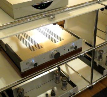 OCTAVE HP300 中古 オクターブ社コントロールアンプ正規代理店  保証1年