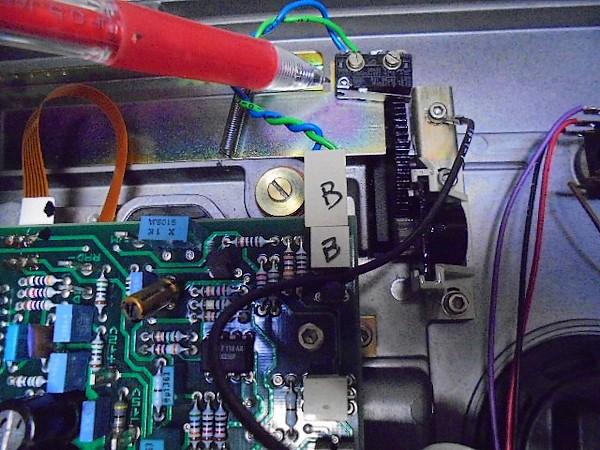 A730のマイクロスイッチを新品へ交換。
