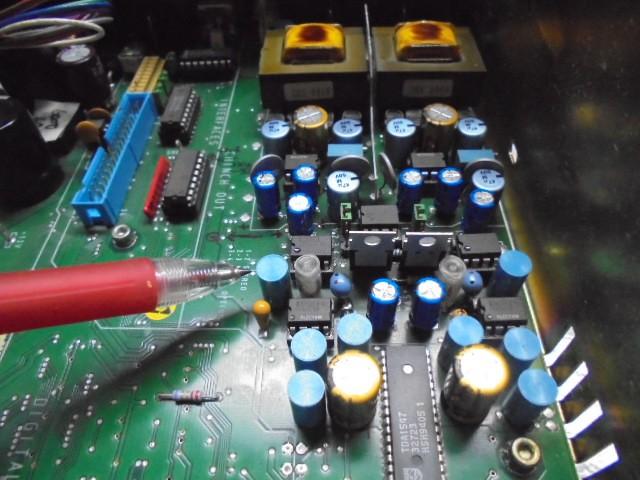 アナログ回路部のコンデンサー交換