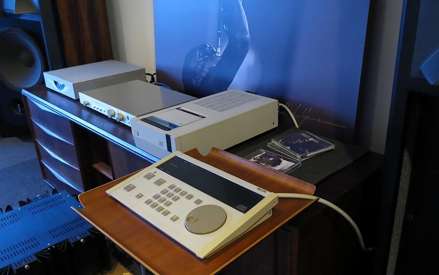 LHH2000 フルレストア整備予定の機材。中古オーディオショップのAudio Dripper TOKYOの販売CDプレーヤー