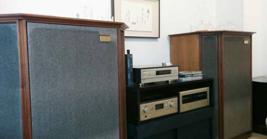 ギャラリー内のサウンドシステム