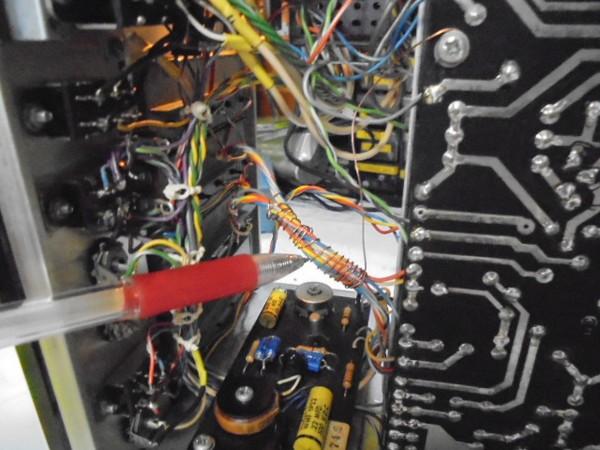 JBL_SG520_ハムの原因は、トーンコントロールに敗戦から、ノイズを拾っておりました(ノイズの原因)