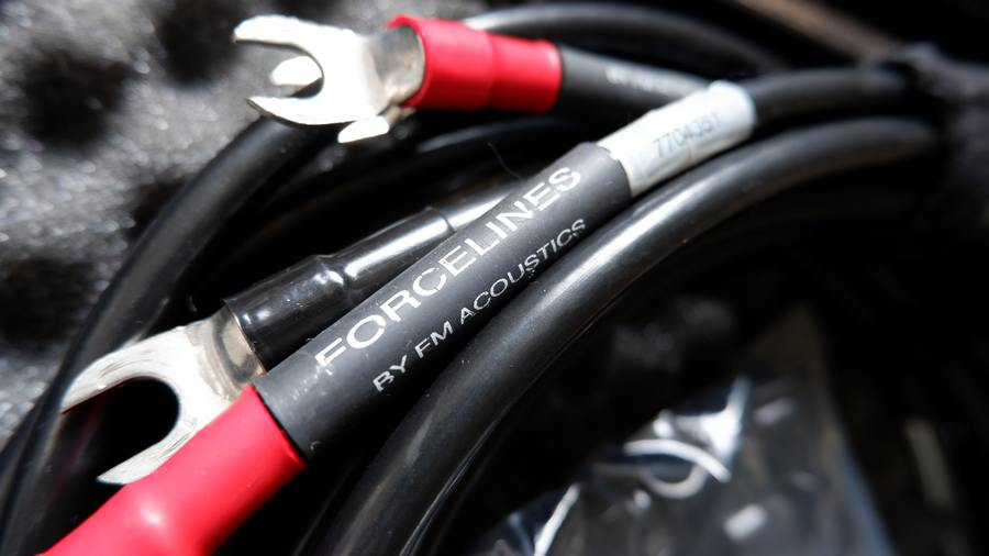 FM ACOUSTICS FORCELINESの CA24610 5 FL5Sスピーカーケーブル(1.5m)の