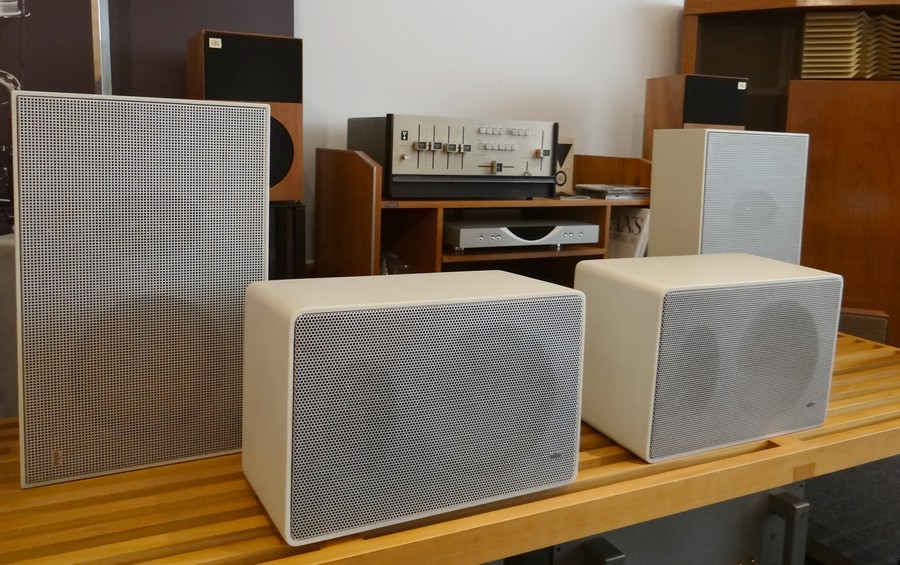 Braun speaker L410 手前のスピーカー