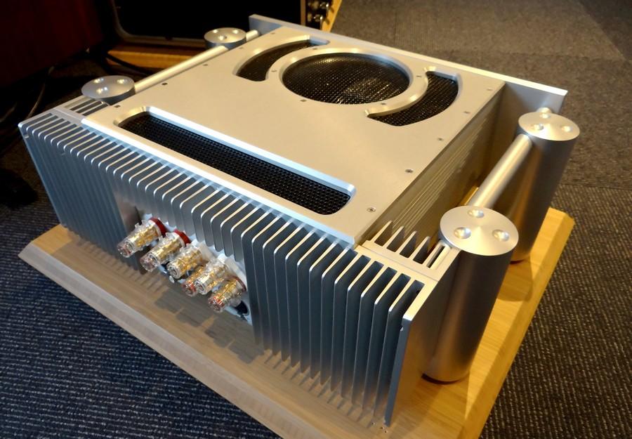 Chord SPM1200E 中古パワーアンプ
