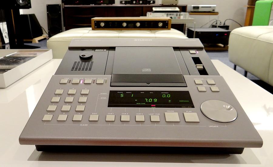販売価格¥498,000. 動作保証1年   取扱説明書  STUDER CDSシリーズ最終モデル。特に制作エンジニア様に人気のD730MK2です。