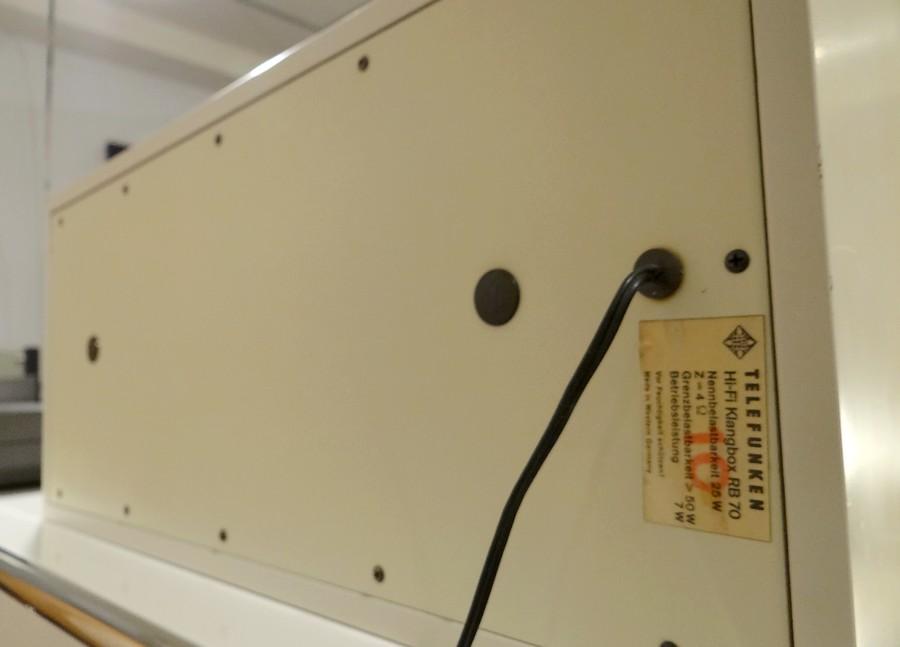 テレフンケンRB70 リアバッフル。純正スピーカーケーブル