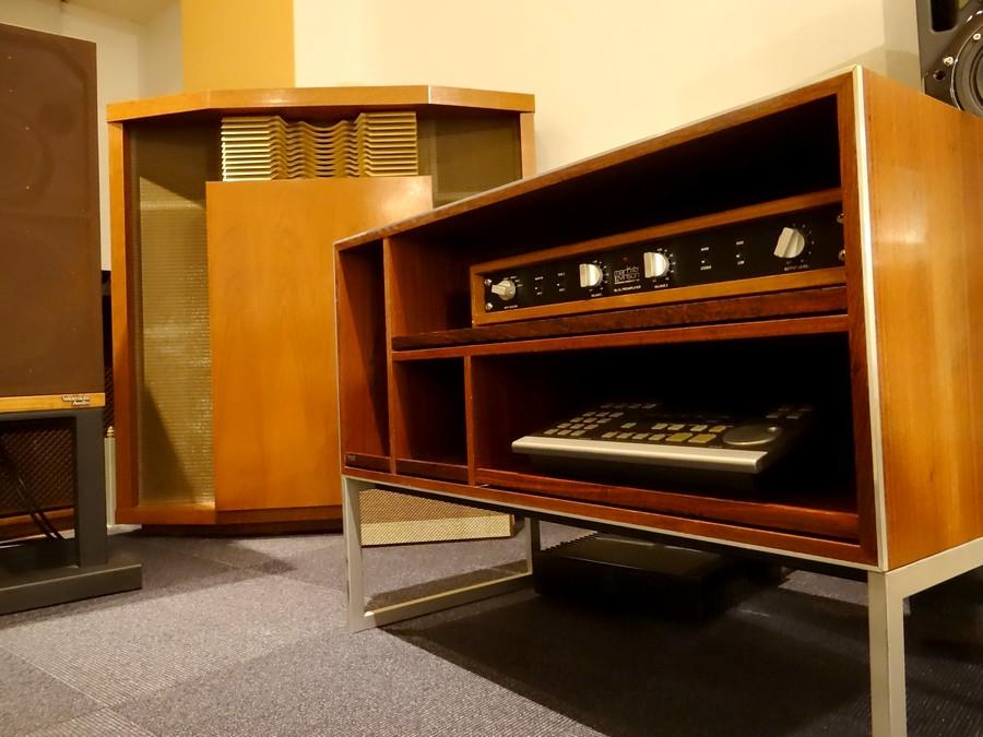 1960年代製造 B&O  Jacob Jensenデザインのラックです。