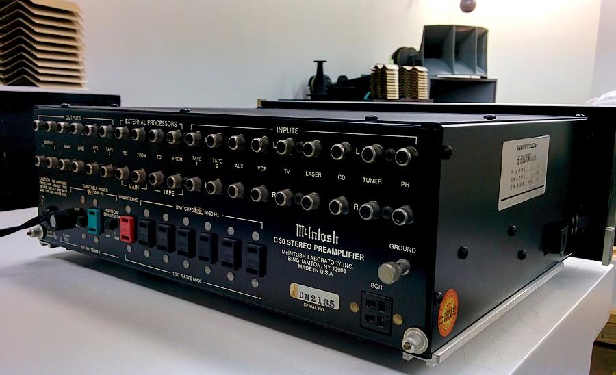 McIntosh C30プリアンプ・リアパネル