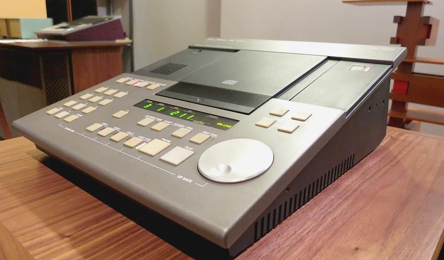 整備・修理したレストア済 STUDER A730 CDプレイヤー
