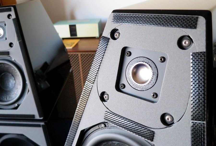 中古 WILSON AUDIO System 5 ウィルソンオーディオ。 デビッド・ウィルソン設計が2セット4台在庫のハイエンドオーディオ専門店のAudio Dripper TOKYO。ヴィンテージオーディオも豊富。 秋葉原にほど近い日本橋中古オーディオ店。中古オーディオ通販も好評。