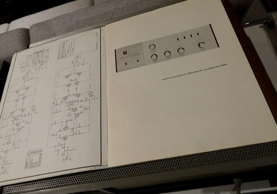 中古 JBL SA600 取扱説明書付属。回路図が付属します。