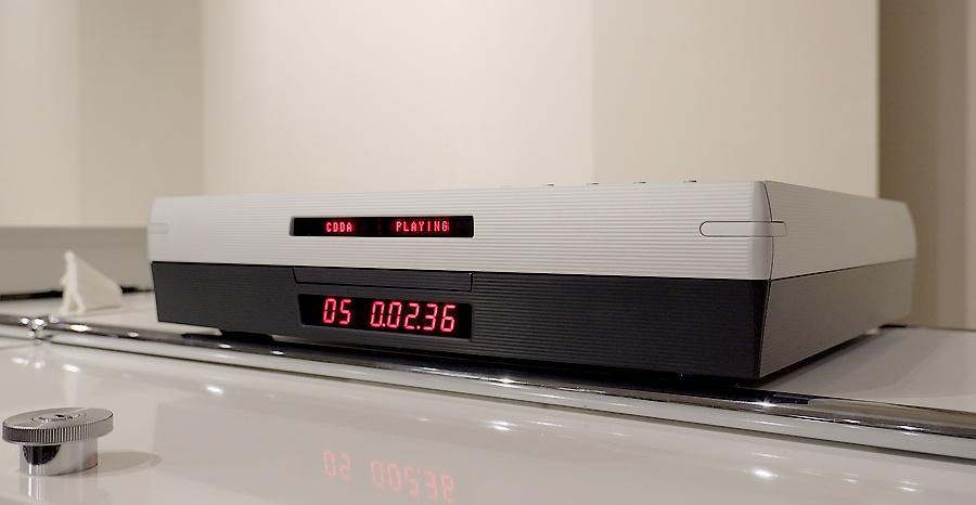 Playback Designs MPS-5 SACD/CD player|プレイバックシステムズのSACD|オリジナルのプログラムDAC