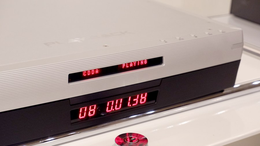 Playback Designs MPS-5 SACD-CD|プレイバックシステムズMPS-5 液晶は鮮やかなオレンジです。