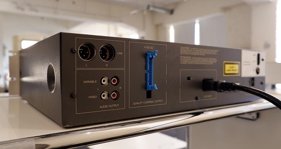 STUDER A725QC CDプレーヤー リアパネル