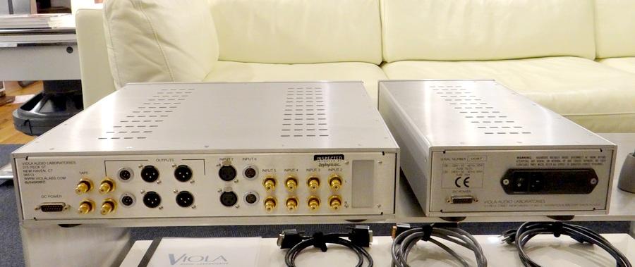 多彩なアウトプット端子&入力(XLR、フィッシャー、RCA)