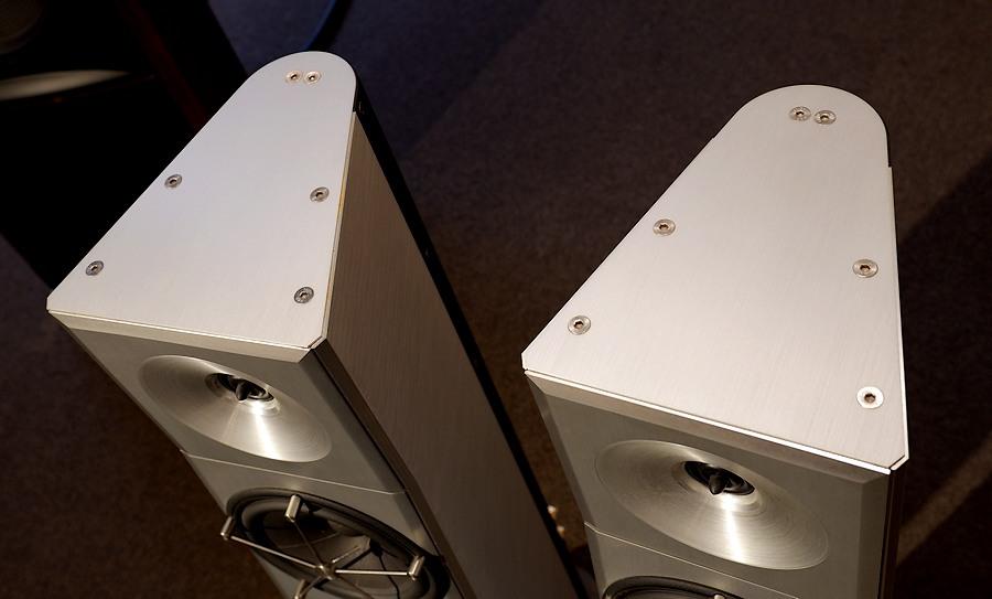 YG Acoustics Carmel|コストがかかった時代のキャビネットがクールです♪