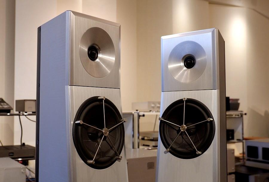 YG Acoustics Carmel|クリーンで美しい状態です。