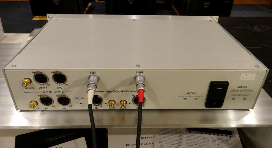 豊富な入手力端子を装備したcello R-DAC