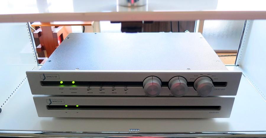 中古 spectral dmc20 sr2整備済正規品。ハイエンドコントロールアンプ