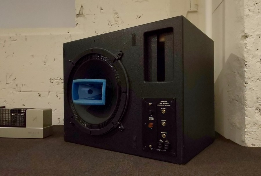 ■UREI 811Bスタジオモニター 定価¥1,583,280. 販売価格¥348,000. 1980年代に誕生した15インチ同軸スタジオモニター。わりと状態が良い個体です。