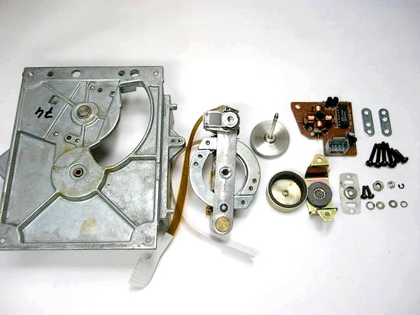 Philips CD-M1 MK2のスイングメカ分解