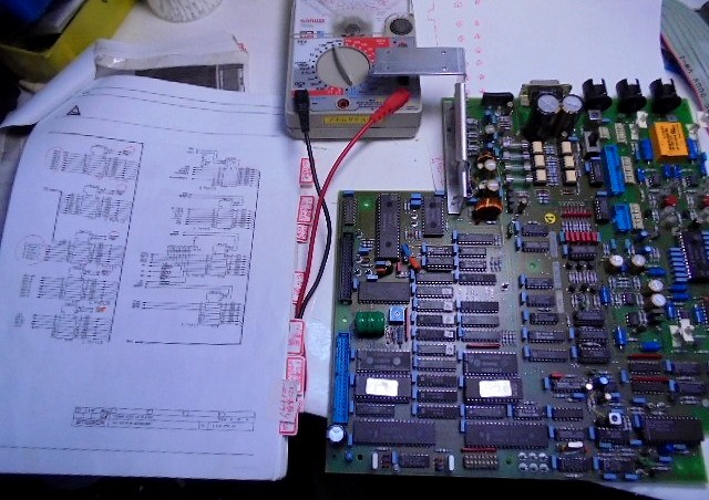 A730の回路図メイン基板と青色のコネクターと導通テスト。