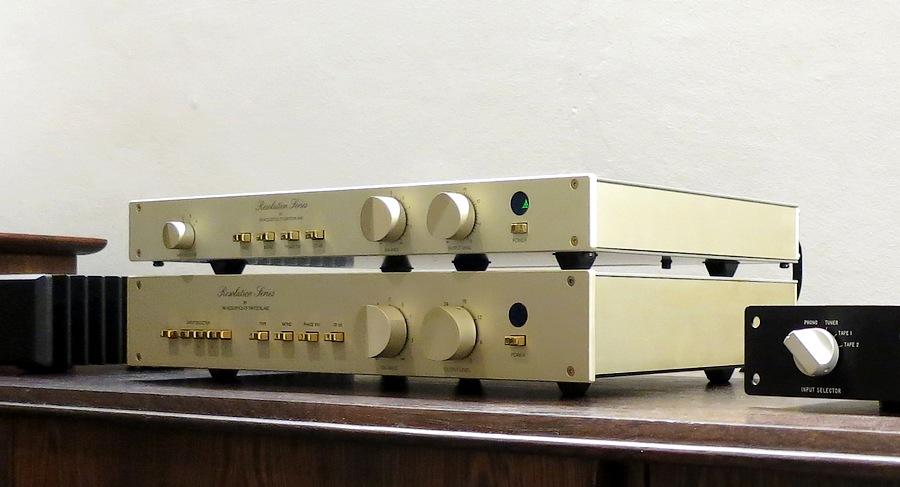 中古 FM Acoustics FM 245ハイエンドオーディオ・プリアンプ