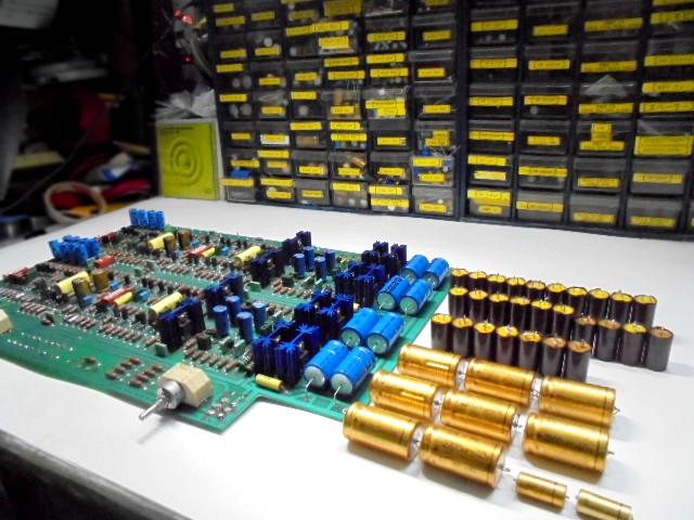 KRELL_交換した電子パーツとメインボード_1