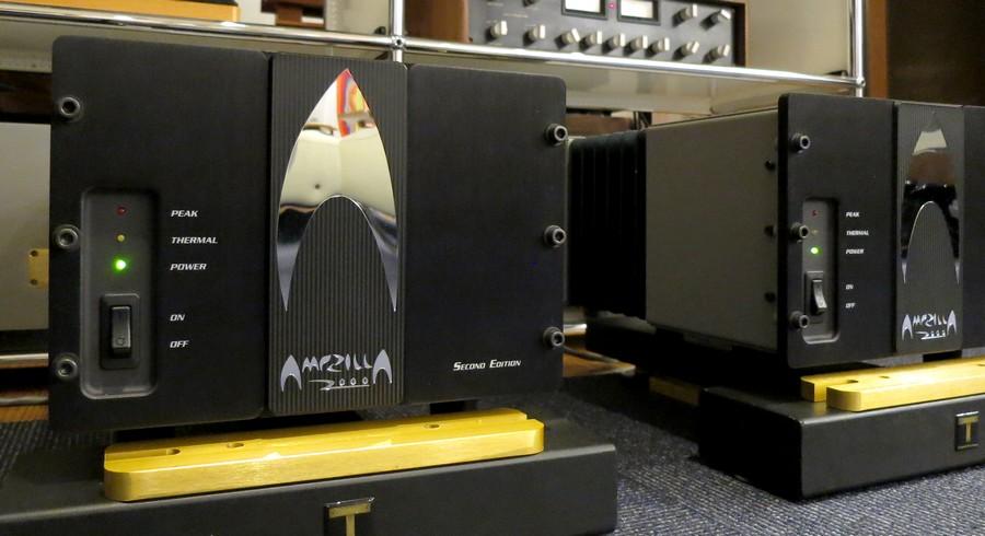 中古パワーアンプ S.S.T. AMPZILLA 2000 Second Edition