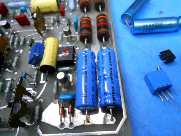 オーディオ基板の整備。シンプルな基板です。