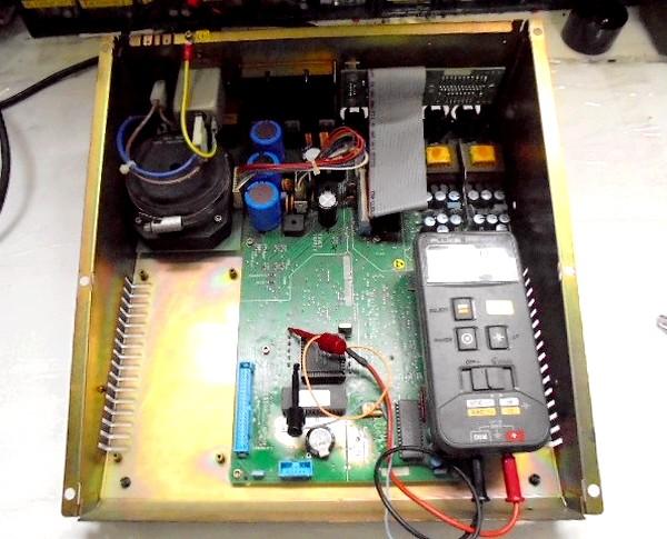 メイン基板の各部の電圧状況
