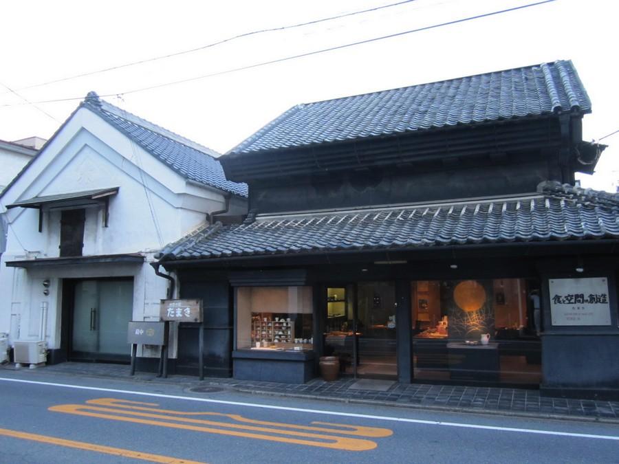 【旧店舗】旧日光街道に面した明治10年の土蔵造