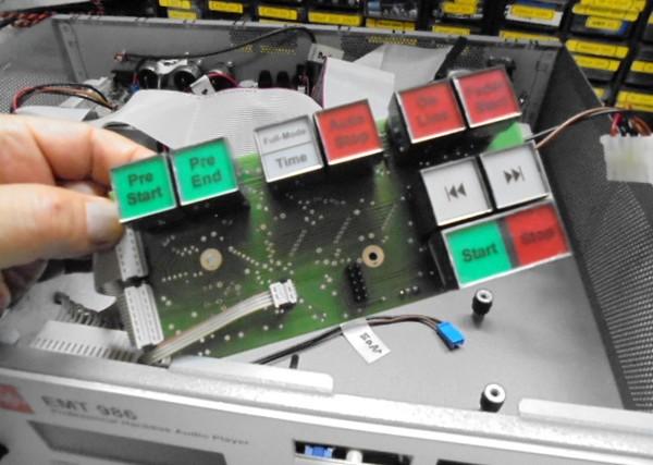 EMT986の分解と操作ボタン、操作基板の整備