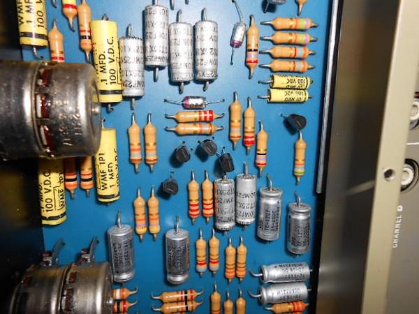 トーンコントロール部の整備(コンデンサー類交換)
