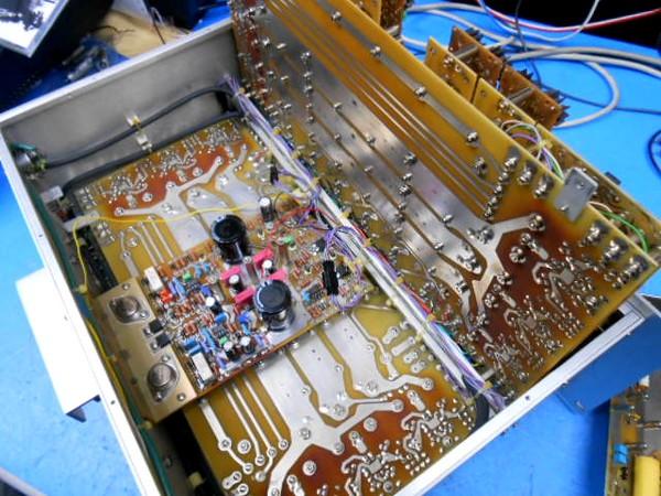 CELLO Audio PALETTE Maintenance(チェロ・オーディオ・パレット整備)のサンドイッチ構造の電源基板