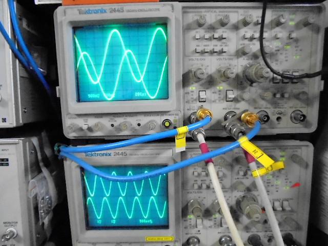 約1V(フル出力)時の正弦波の波形_きれいな波形を観測。