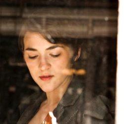 GOLDMUND Mimesis18.4MEと、2010年以降のブルックリンの歌姫、Becca Stevens