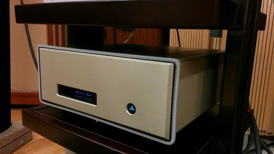 FM ACOUSTICS FM255とセットされていたFM711パワーアンプ。