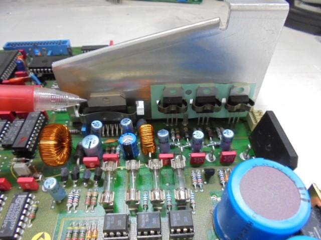 STUDER_A730_電源部アップグレード_特殊なレギュレーター(輸入品)もすべてオリジナルと同じ新品に交換いたします。