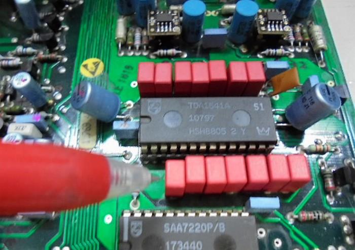 STUDER A727 TDA1547周辺のコンデンサーをハイエンドアンプでも採用されているドイツ製コンデンサーへ交換。