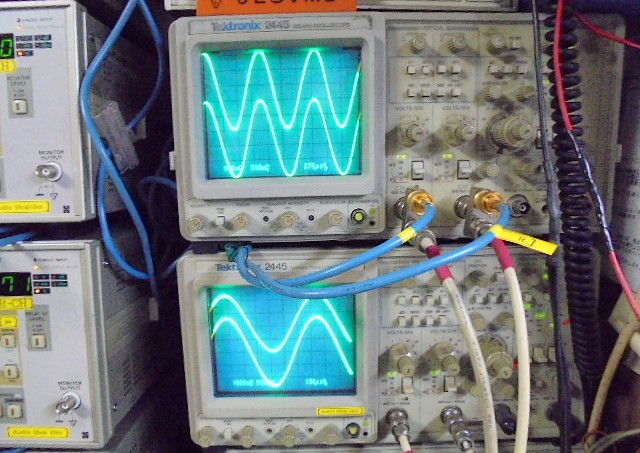 STUDER A730の1KHz:正弦波の波形です。