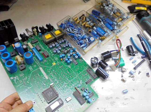 STUDER_D730(修理品)メインPVB基板を取り外しメンテナンスいたします。