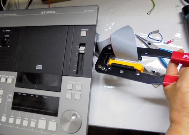 STUDER_D730(修理品)フラットケーブルの端子を新品に交換