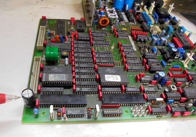 STUDER_A730(レストア)メインPCB基板のここの電子パーツが取り付けられておりませんでした。